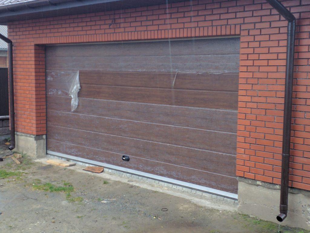 обслуживание гаражных ворот ремонт и гарантия вікна та